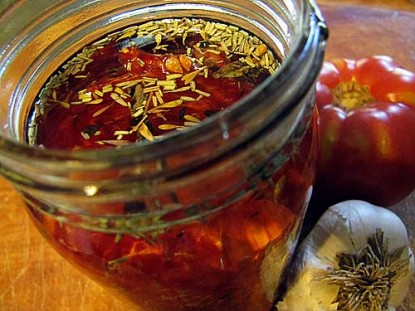 """""""Sun-Dried"""" Tomatoes in Oil"""